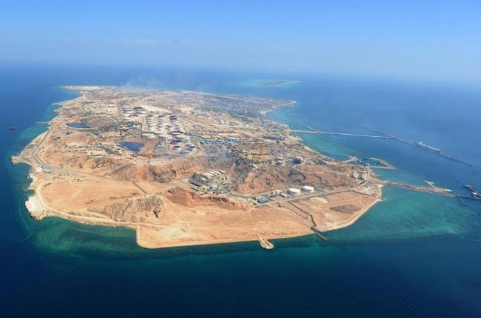 جزیره ای کوچک و دورافتاده که یک ایران مدیون آن است!