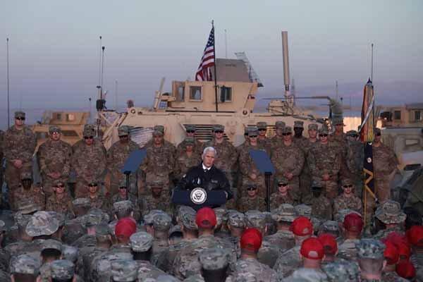 واکاوی زوایای سفر مایک پنس به عراق علیه ایران و حشد شعبی