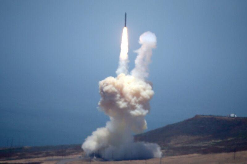 کره شمالی آزمایش موشکی جدیدش را تایید کرد: کیم جونگ اون شخصا بر آزمایش نظارت کرد