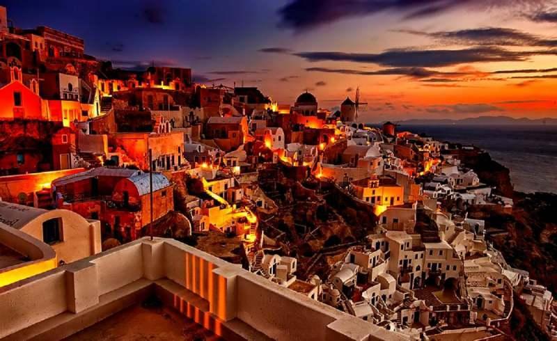 سانتورینی از زیباترین جزایر یونان