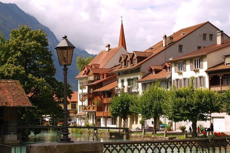 جاذبه های اینترلاکن در سوئیس