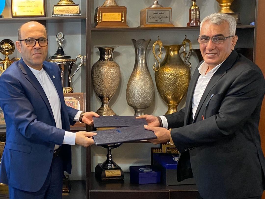 باشگاه استقلال با کارگزار جدید قرارداد امضا کرد