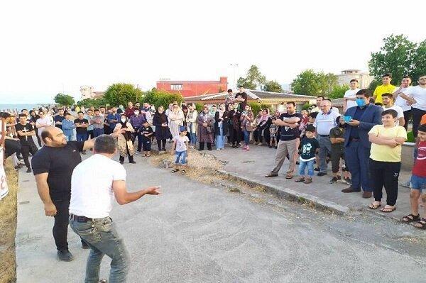 آغاز اجرای نمایش های خیابانی در آستارا