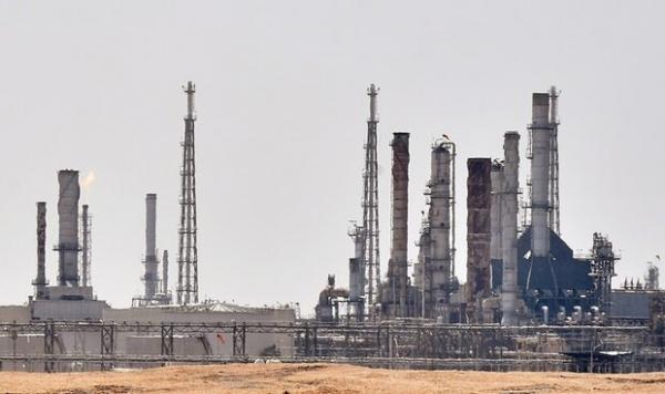 قلب صنعت نفت عربستان هدف نهاده شد