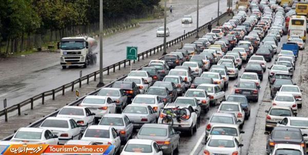 ترافیک در هراز و آزادراه پردیس-تهران، کندوان به دلیل حجم زیاد خودرو یک طرفه شد