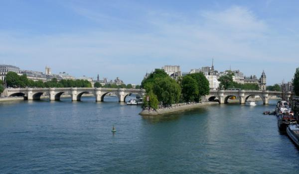 آشنایی با مکان های گردشگری پاریس